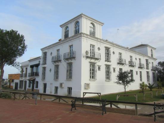 hotel-toruno