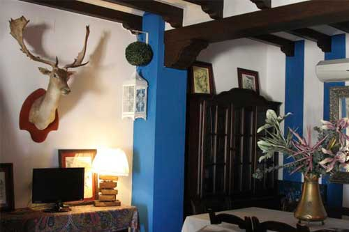 living room in el sombrero rural lodge